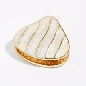 Free People seashell claw hair clip